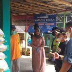 Bupati meninjau penyaluran Program Bantuan Pangan Non Tunai (BPNT)